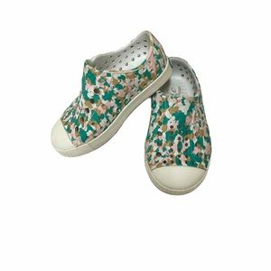 Native pink green camouflage perforated shoes C6